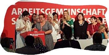 Verabschiedung der AsF BuVorsitzenden Elke Ferner 2.v.l. mit neuer Vorsitzenden Maria Noichel li.